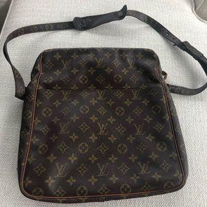 9d1fc686eda2 Women s Vintage Louis Vuitton Messenger Bag on Poshmark